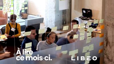 Logo de Libéo avec une photographie de plusieurs personnes en train de réaliser un atelier de Design Thinking