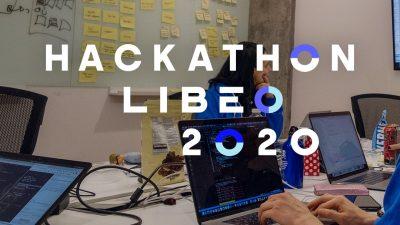Photo avec logo du hackathon 2020 de Libéo